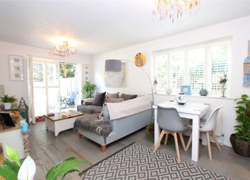 Thumbnail 2 bedroom flat for sale in Swallows Oak, Abbots Langley