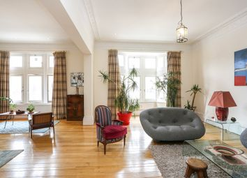 Thumbnail 5 bed flat to rent in Palace Court, London