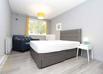 Thumbnail Room to rent in Cadogan Court, 103-105 Cadogan Terrace, Hackney Wick