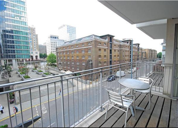 Thumbnail Room to rent in Hertsmere Road, Isle Of Dogs