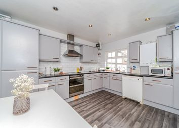 Thumbnail 2 bedroom flat for sale in Churchfield Road, Chalfont St. Peter, Gerrards Cross
