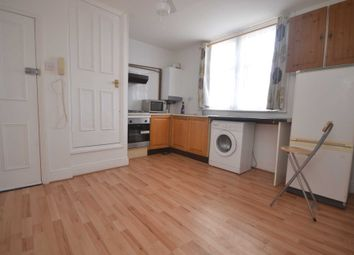 Thumbnail 1 bedroom flat for sale in Carnarvon Road, Reading