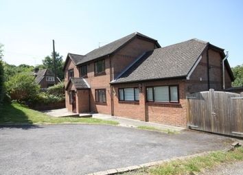 Thumbnail 4 bed detached house to rent in The Slade, Bucklebury, Reading