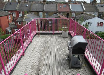 2 bed maisonette to rent in Douglas Road, London NW6