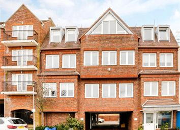 Thumbnail 1 bed flat for sale in Portland House, Station Road, Gerrards Cross