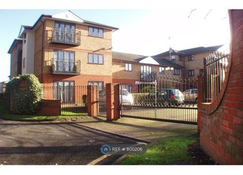 Thumbnail 2 bed flat to rent in Shaftesbury Court, Maidenhead