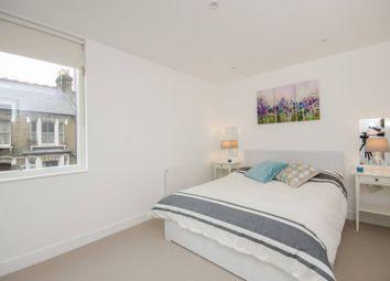 Brandon Street, Elephant And Castle, London SE17. 2 bed flat