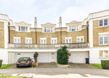 4 bed property for sale in Fitzroy Crescent, Grove Park, London W4