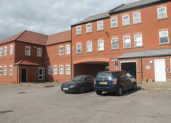 Thumbnail 2 bed flat for sale in Kingsgate, Aylesbury