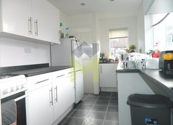 Thumbnail Room to rent in Simonside Terrace, Heaton
