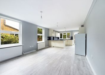 Thumbnail 3 bed flat to rent in Brentwood Road, Romford