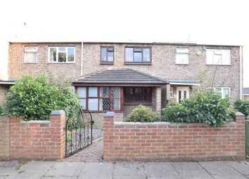 Thumbnail 6 bed property to rent in Kinver Walk, Reading