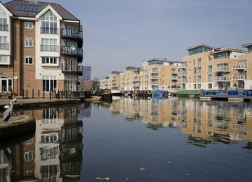 Thumbnail 3 bed flat to rent in Oakbark House, Brentford