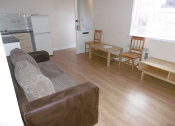 Thumbnail 1 bed flat to rent in Baker Street, Reading