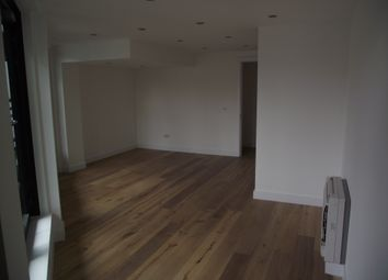 Thumbnail 1 bed flat to rent in Great Eastern Street, Shoreditch, E1