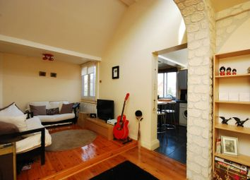 Thumbnail 1 bed flat to rent in Frogmore, Wandsworth