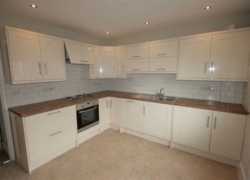 Thumbnail 2 bed flat to rent in Pitcroft Avenue, Reading