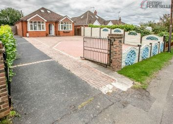 Sandyhurst Lane, Ashford, Kent TN25. 5 bed detached bungalow