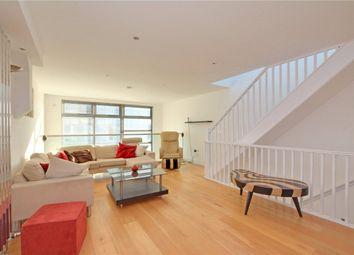 3 bed flat to rent in Meridian Point, Creek Road, Deptford, London SE8