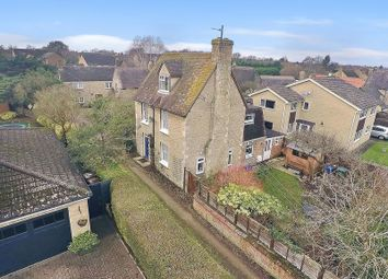 Thumbnail 4 bed cottage for sale in The Moors, Kidlington