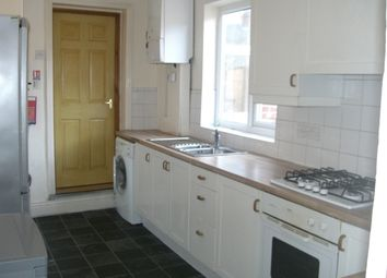 Thumbnail 6 bed flat to rent in Buston Terrace, Jesmond, Newcastle Upon Tyne