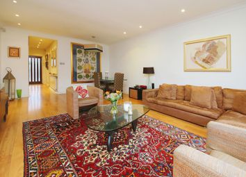 Thumbnail 4 bed property to rent in Grove End Road, St Johns Wood, London