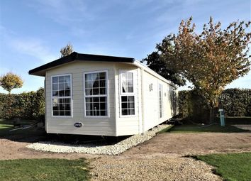 Thumbnail 3 bed mobile/park home for sale in Frostley Gate, Holbeach, Spalding