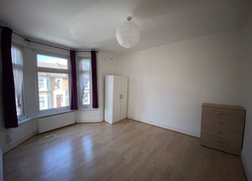 Thumbnail 4 bed flat to rent in Leyton Park Road, London, Greater London.