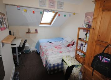 Thumbnail 9 bed terraced house to rent in Headingley Avenue, Headingley