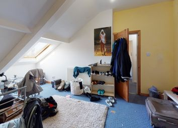 Thumbnail 4 bed flat to rent in Blenheim View, Woodhouse, Leeds