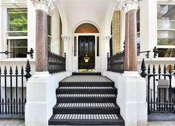 Thumbnail 2 bed flat for sale in Redcliffe Square, Chelsea, London