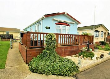 Thumbnail 2 bed mobile/park home for sale in Creek Road, Canvey Island, Essex