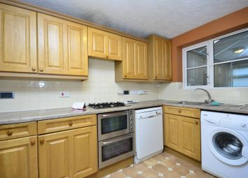 3 bed property to rent in Earl Close, Friern Barnet, London N11