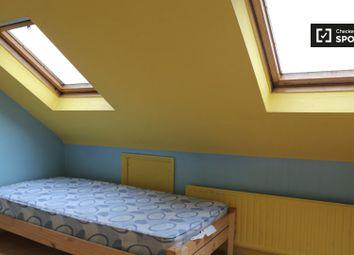 Thumbnail Room to rent in Blackbush Avenue, Chadwell Heath, Romford