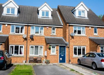 Thumbnail 3 bed town house for sale in Newlands, Farsley, Pudsey