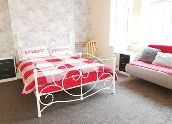 Thumbnail 4 bedroom shared accommodation to rent in Warnford Street, Swinley