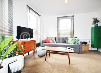 Thumbnail 1 bed flat to rent in Fonthill Road, Islington, Finsbury Park London