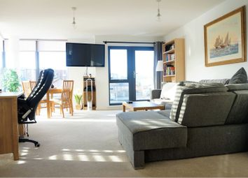 Thumbnail 1 bed flat to rent in Warwick Road, West Drayton