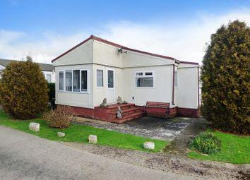 2 bed mobile/park home for sale in Kingsmead, Thornlea Park, Wick, Littlehampton BN17