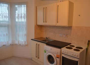 Thumbnail 1 bed flat to rent in High Road, Seven Kings, Ilford, Ilford