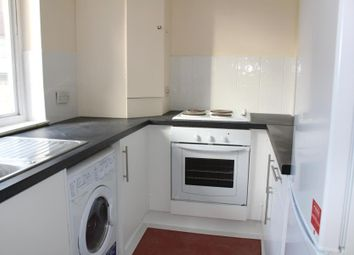 Thumbnail 1 bed flat to rent in Phoenix Court, Guildford