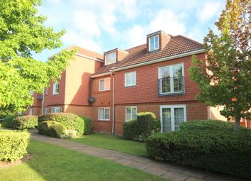 Meadowgate, Giblets Lane, Horsham RH12. 2 bed flat