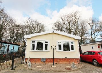 Thumbnail 2 bed mobile/park home for sale in Burgh Hall Park Tower Road, Fleggburgh