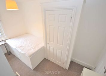 Thumbnail Room to rent in Kings Road, Reading, Berkshire, - Room 3