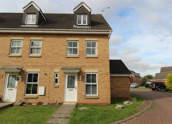 3 bed end terrace house to rent in Philip Larkin Close, Hull HU6