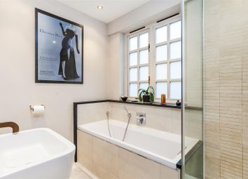 Thumbnail 2 bed property to rent in Grove Mews, Hammersmith, London