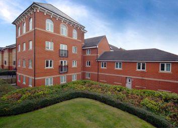 2 bed flat to rent in Saltash Road, Swindon, Wiltshire SN2