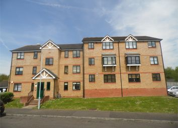 Thumbnail 1 bedroom flat to rent in Lovegrove Drive, Slough, Berkshire