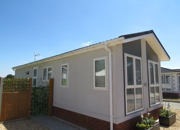 Thumbnail 2 bedroom mobile/park home for sale in Lodden Court Farm, Beech Hill Road, Spencers Wood