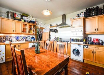 4 bed flat to rent in Gipsy Road, London SE27